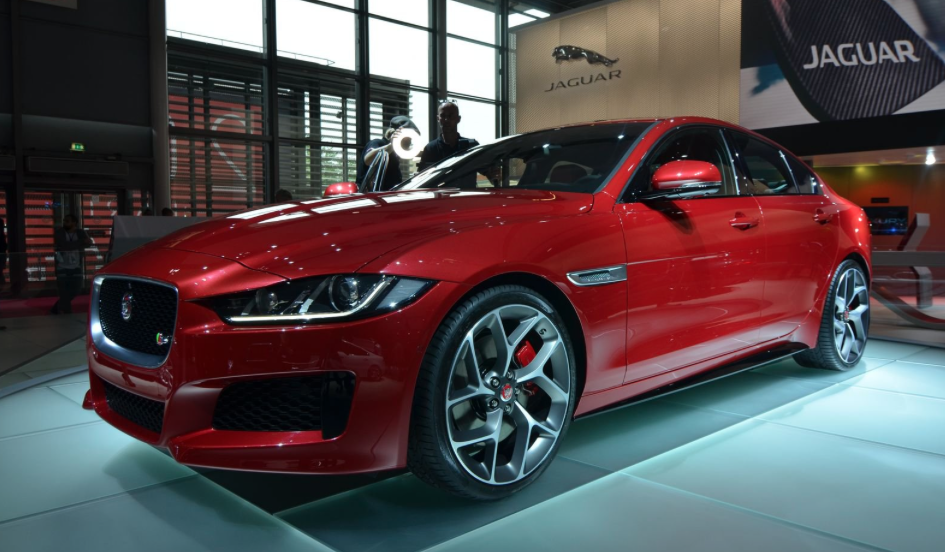 paris motor show 2014 the jaguar xe is an aluminum clad beauty. Black Bedroom Furniture Sets. Home Design Ideas