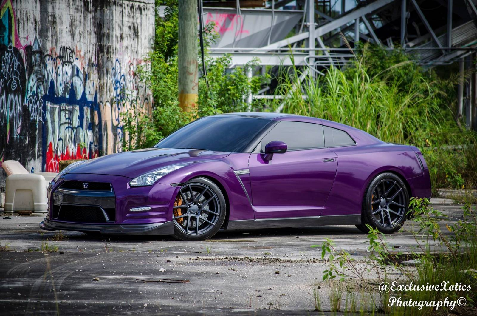 Chrome Midnight Purple And Carbon Nissan Gt R