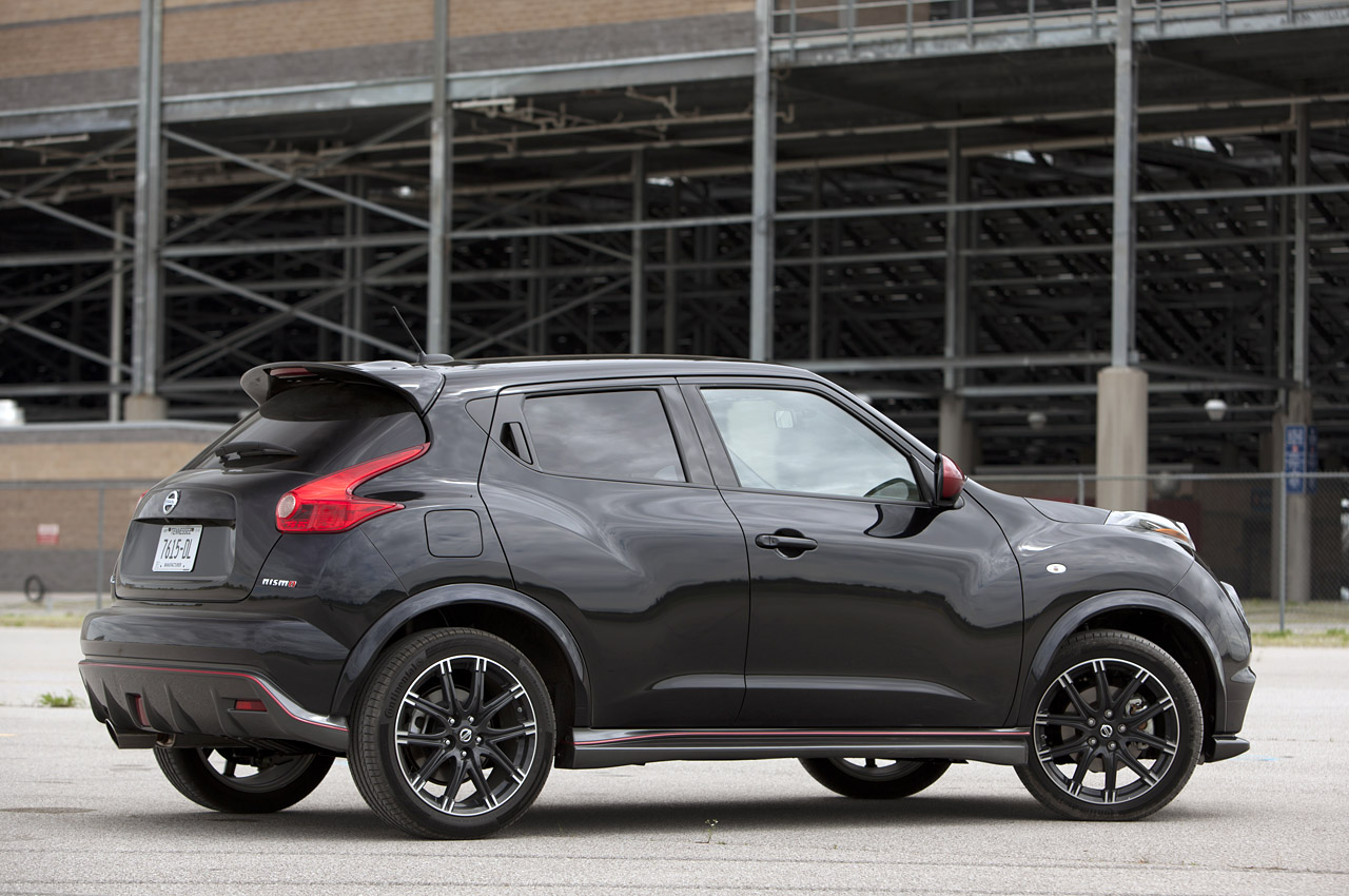 nissan juke nismo rs will debut in la. Black Bedroom Furniture Sets. Home Design Ideas