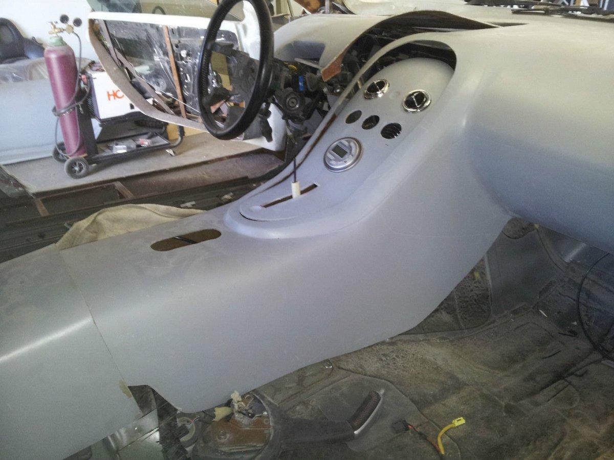 Incomplete Bugatti Veyron Replica Built From A 2004