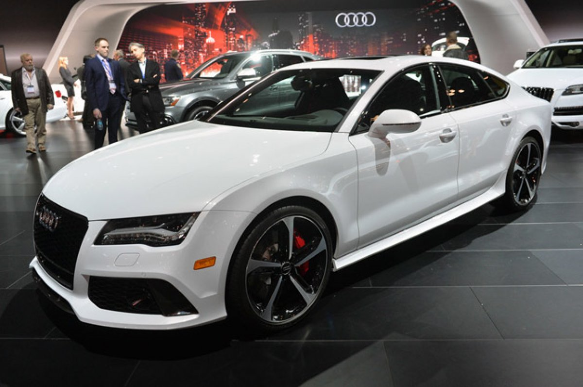 new york 2015 audi rs7 dynamic edition is quite dynamic in price. Black Bedroom Furniture Sets. Home Design Ideas