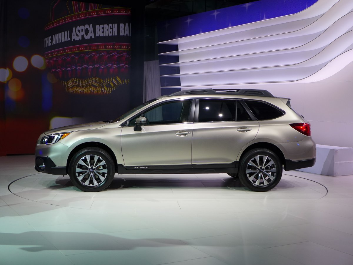 consumer reports takes a spin in the all new 2015 subaru outback. Black Bedroom Furniture Sets. Home Design Ideas