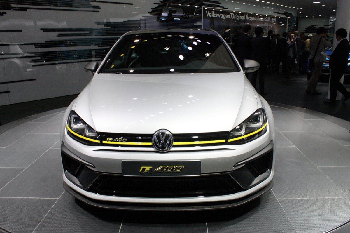 2014 volkswagen golf r400 concept. Black Bedroom Furniture Sets. Home Design Ideas