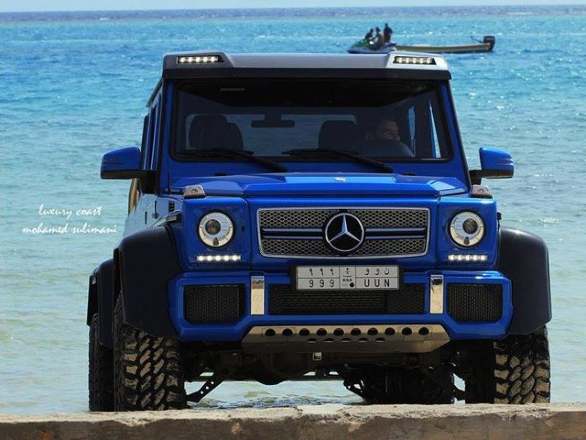 Mercedes amg g63 amg 6x6 red sea for Mercedes benz g36 amg 6x6 price