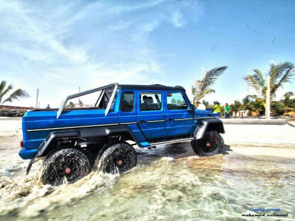 Mercedes amg g63 amg 6x6 red sea for Mercedes benz amg 6x6 price