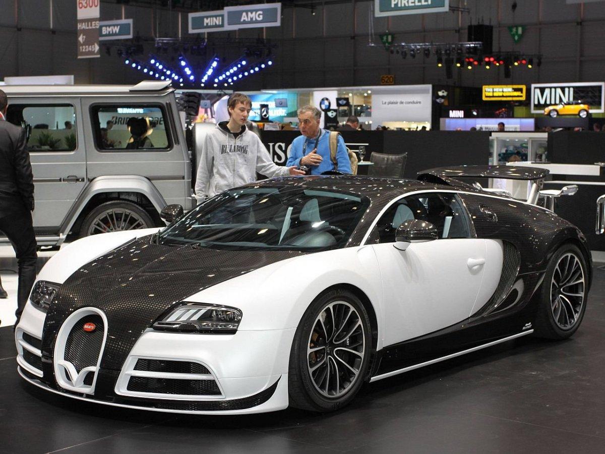 mansory vivere bugatti veyron struts its stuff. Black Bedroom Furniture Sets. Home Design Ideas