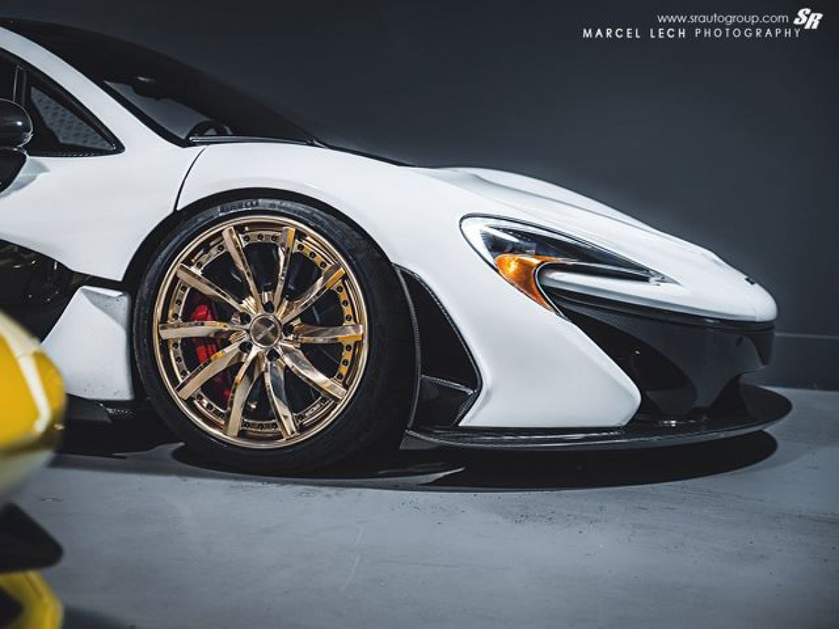 McLaren P1 Gold Rims Picture