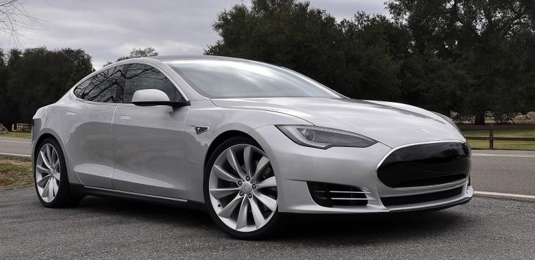 Tesla Model E: 2015 Debut