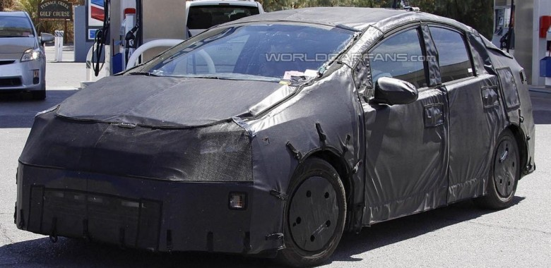2016 toyota prius may offer all wheel drive. Black Bedroom Furniture Sets. Home Design Ideas