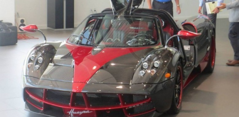 unique dual tone pagani huayra lands in connecticut at miller motorcar