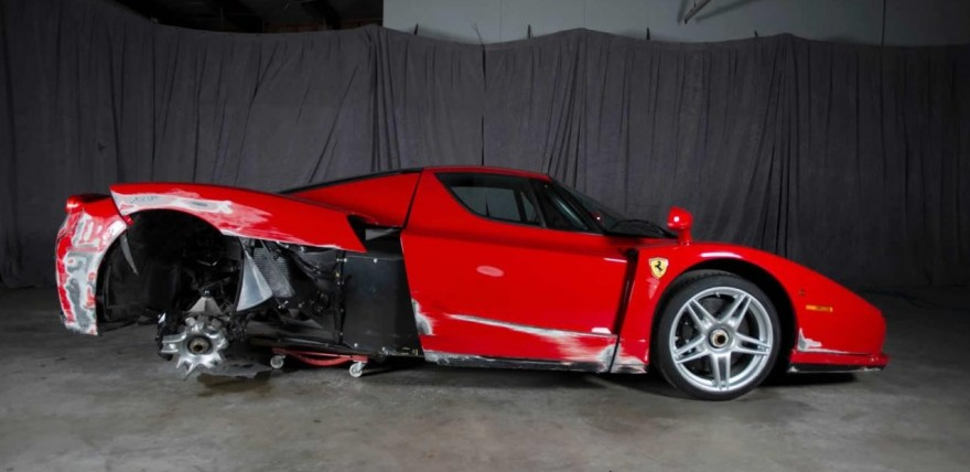 wrecked 2003 ferrari enzo fetching as much as 376 000 online. Black Bedroom Furniture Sets. Home Design Ideas