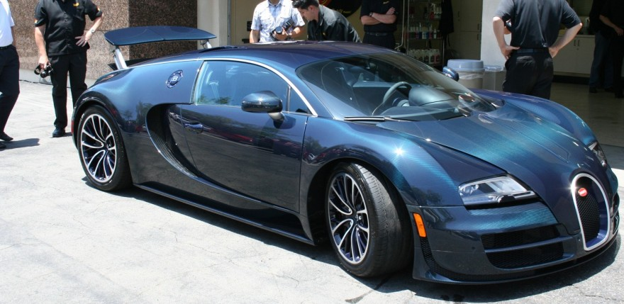 bugatti veyron 16 4 super sport vitesse on the road in monaco. Black Bedroom Furniture Sets. Home Design Ideas