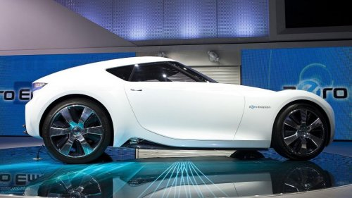 Next-Generation Nissan Z To Feature Hybrid Drivetrain