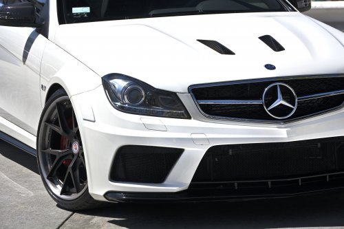 mercedes benz saw an opportunity to push things one step further this gave birth to the c63 amg black series and this white example reminded us of its
