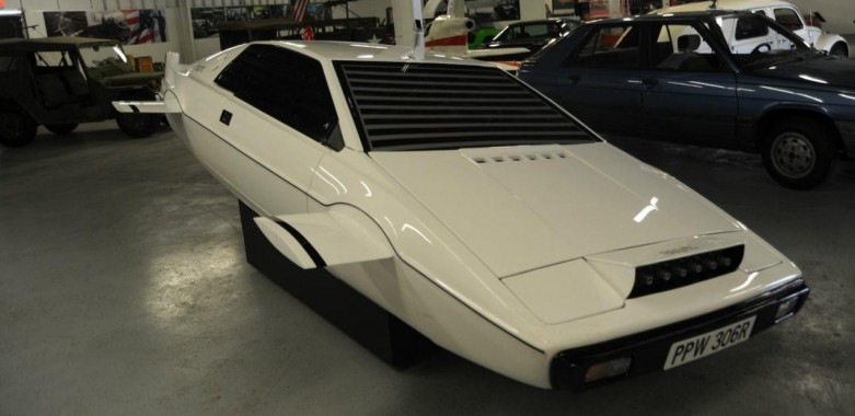 James Bond's Lotus Esprit Submersible On Sale On Ebay For $1 Million