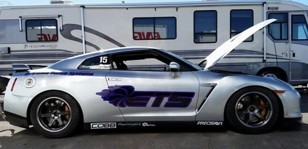 Nissan GT-R Spins at 220 MPH