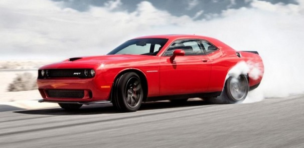 AutoGuide Tackles the 707 HP 2015 Dodge Challenger SRT Hellcat