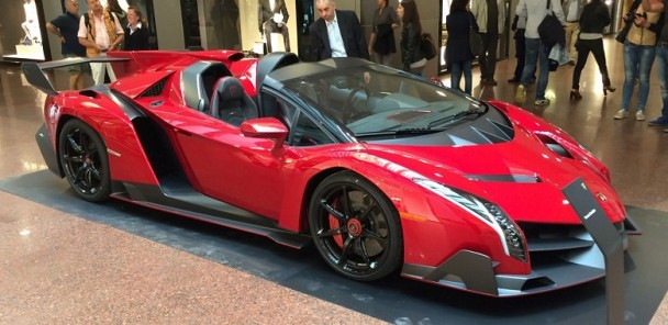 Lamborghini Veneno Roadster Hypercar In the Flesh