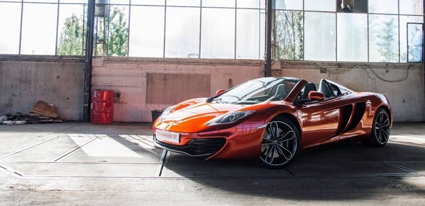 McLaren 12C Spider Takes Center Stage