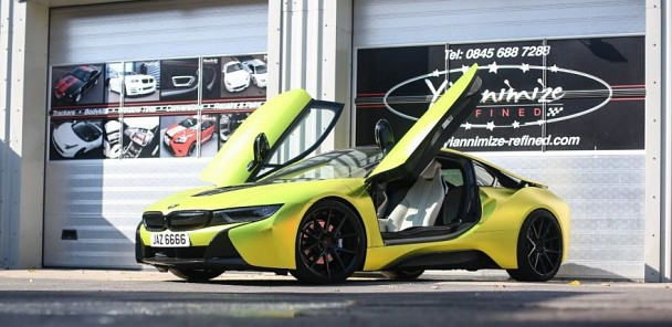 BMW i8 wrapped SATIN CHROME YELLOW!