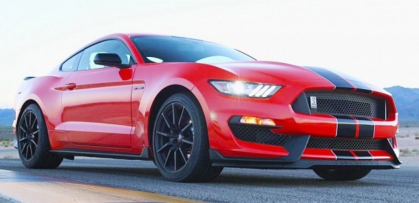 2016 Ford Mustang Shelby GT350: An 8200-rpm Muscle Car to Shame Sports Cars