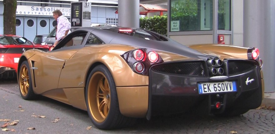 Pagani Huayra Stock vs Titanium Exhaust Sound!
