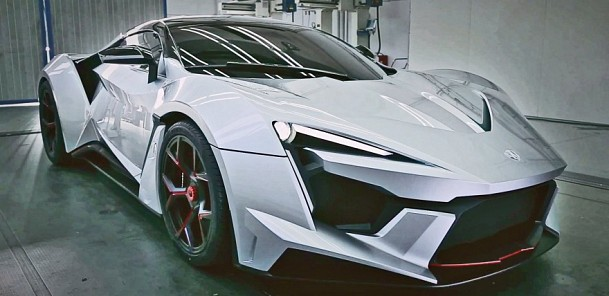 W Motors Fenyr SuperSport 900 hp - First Look