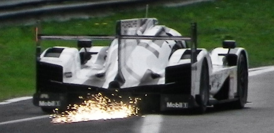 Porsche 919 Hybrid LMP1 High Speed Fly Bys & Sparks